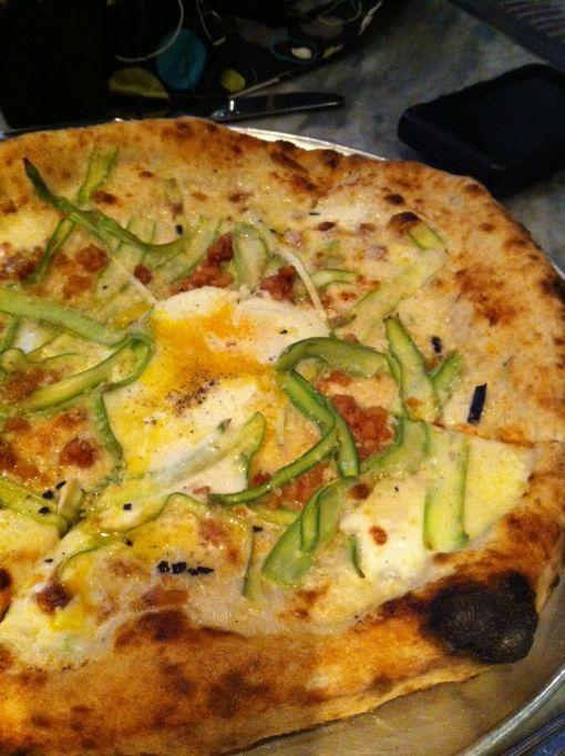 Barbuzzo- aspargo pizza